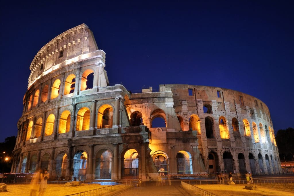 Picture of the Rome Coliseum at dusk