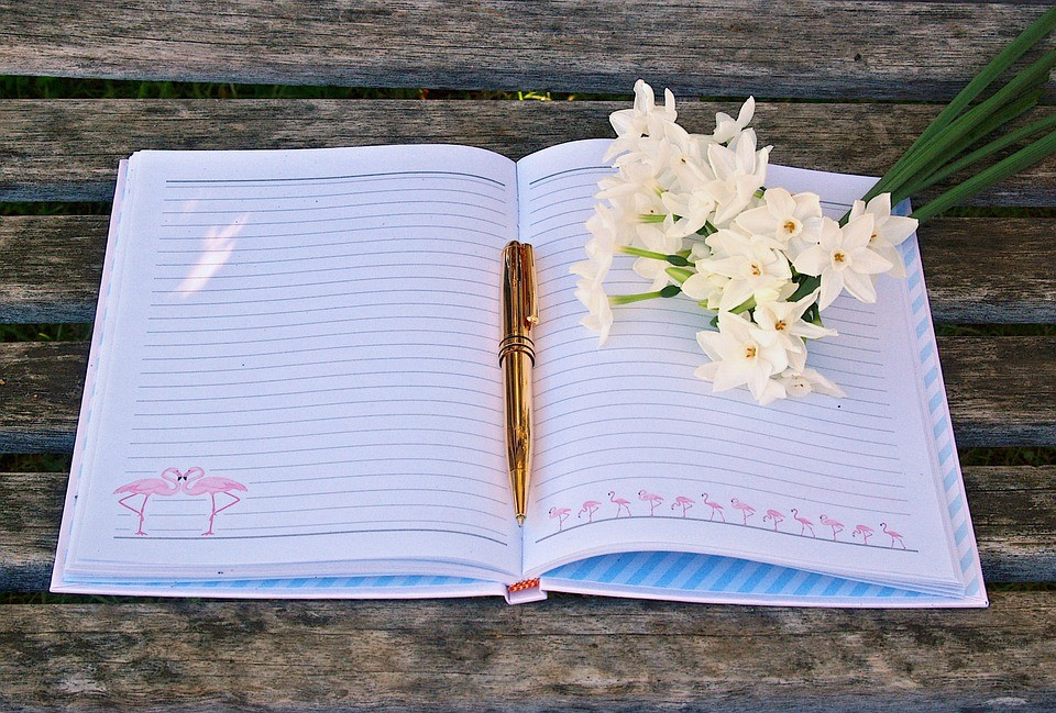How to Rewire Your Brain for Happiness with a Gratitude Journal