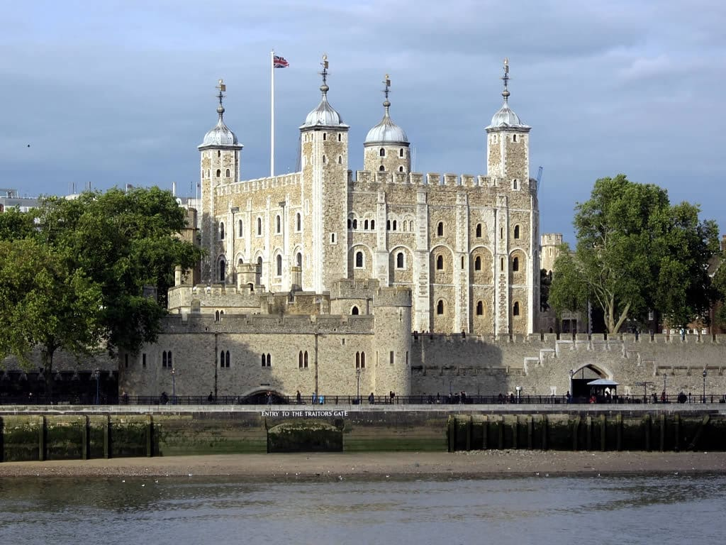 a nice view the tower of london