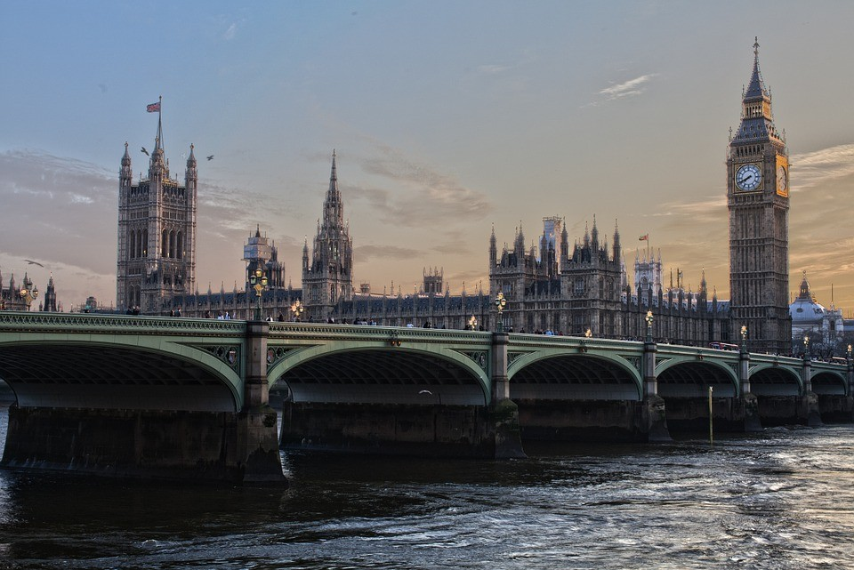 a mesmerizing view of London Bridge and Big Ben