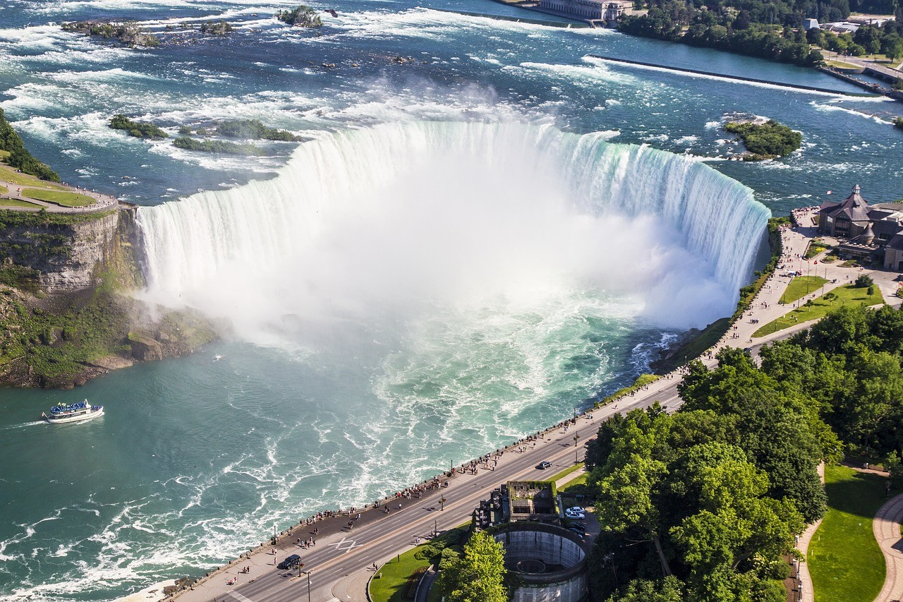 Niagara as one of the best river cruise in north america